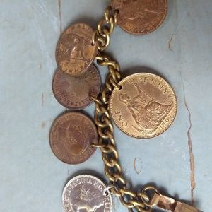 Vintage Jewelry - Vintage 1960s coin charm bracelet